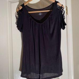 Jennifer Lopez black fancy sleeve t-shirt